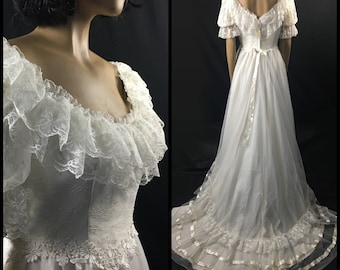 Vintage 1980s Southern Belle Wedding Gown SZ 8 - 10 Flutter Wedding Gown w/ Chapel Train w/ Orig Tag Antebellum Wedding Queen Fit Gowns