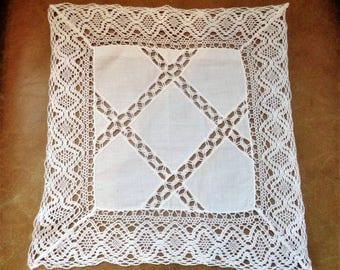 Vintage White Crochet Handkerchief, Lace Handkerchief, Bridal,1940's Wedding Handkerchief, 12.5'' / 32cm square