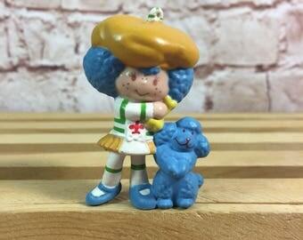 Vintage 1983 Strawberry Shortcake Crepe Suzette with dog Eclair Mini PVC Miniature Figure Toy