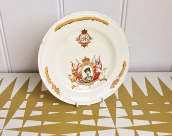 Splendid Vintage Crowned Queen, Elizabeth Commemorative Plate 1953