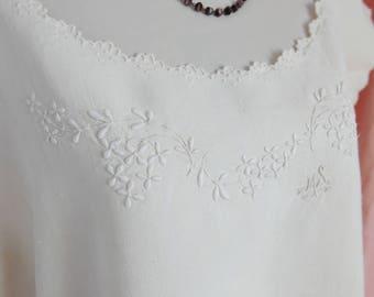 ANTIQUE FRENCH Linen DRESS, Hand Embroidered Linen Nightdress, French Linen Nightdress, Antique Linen Chemise, Vintage Linen Dress.