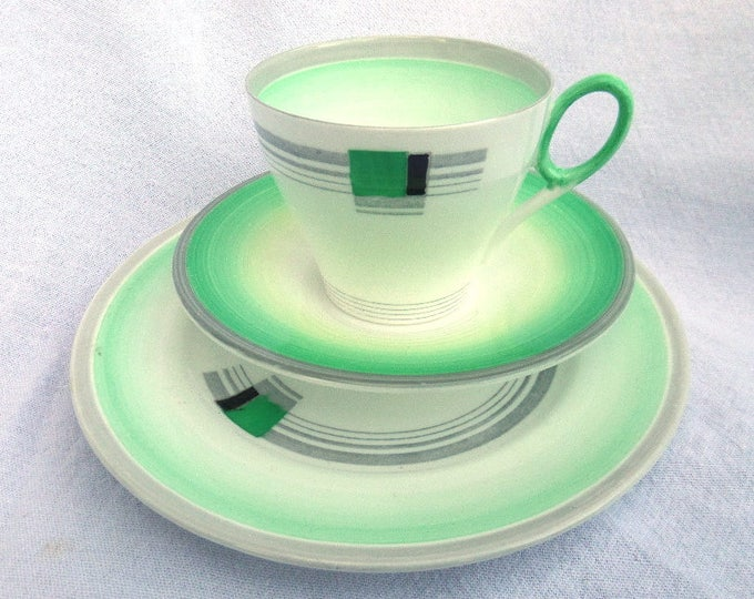 Shelley Tea Trio, Art Deco Tea Cup, Saucer & Side Plate in 'Oxford' Shape, Blocks and Bands Pattern, 1934-39, Reg. Design 795072, Immaculate