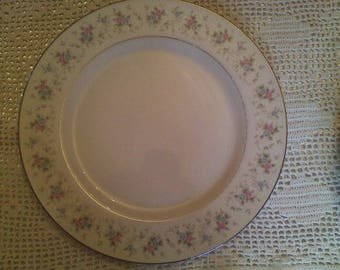 Corsage 3142 Set of 2 Dinner Plates