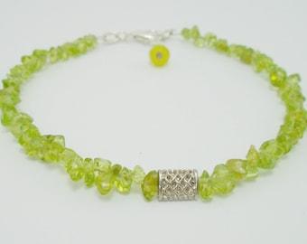 Peridot Bracelet, Beaded Peridot Bracelet, Dainty Bracelet, Raw gemstone Bracelet, Natural Peridot Bracelet, August Birthstone Jewellery