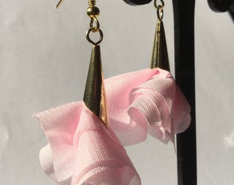 Flowers in pink fabric and gold metal cone earrings