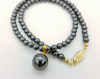"Vintage Hematite Beaded Pendant Necklace - 18"""