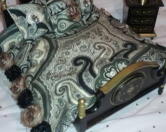 Beautiful Paisley Comforter