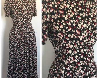 Vintage short-sleve floral maxi day dress • 100% Rayon • US Women's size 10