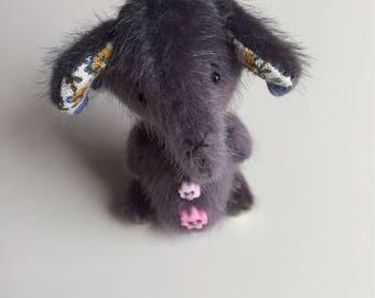 Miniature artist elephant