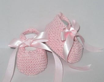 Knitted baby booties/babies hand 0/3 months pink