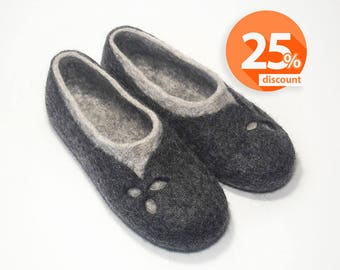 Grey felted woollen slippers for Women shoes Handmade slippers home shoes - House wool felt slippers