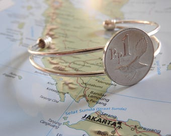 Indonesia coin cuff bracelet - made of a original coin from Indonesia - bird - wanderlust - travelgift