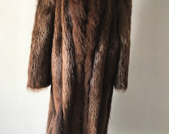 Elegant Long Vintage Brown Genuine Nutria Fur Coat Wintertime Outwear Women's Size Medium.