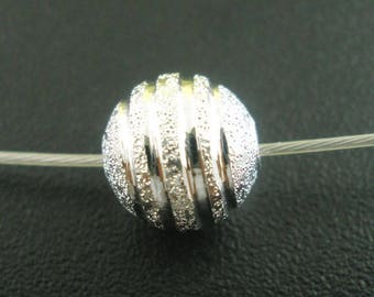 SILVER 5 FROSTED SPACER BEADS 8 MM BRASS.