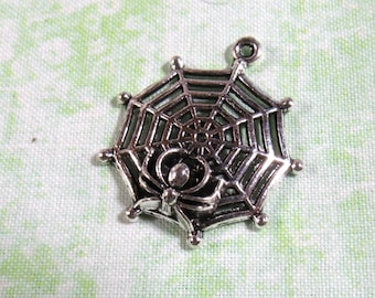 10 Antique Silver Spider Web Charm Pendant 30mm (B376a)
