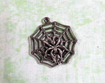 4 Antique Silver Spider Web Charm Pendant 30x32mm (B376e)