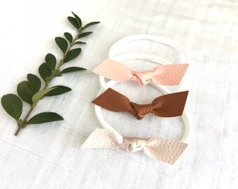 Faux Leather Dainty Bow Set