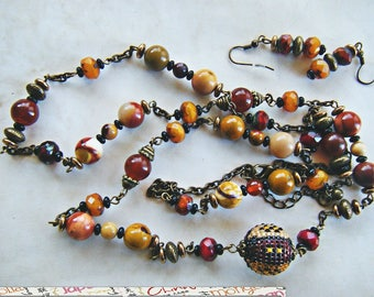Set: bronze necklace, Jasper, woven bead, glass beads and Earrings.