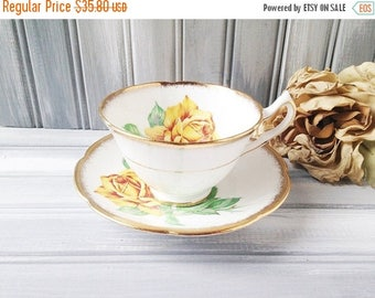 Collingwoods Golden Rose China Teacup and Saucer / Cup and Saucer / Yellow Roses Teacup / Tea Party / Bone China Teacup / Yellow Rose China