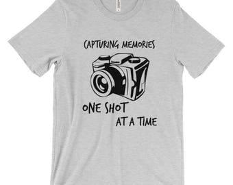"""Shortsleeve """"Capturing Memories"""" T-SHIRT/Unisex T-Shirt/Multiple Colors/Pre-shrunk Cotton"""