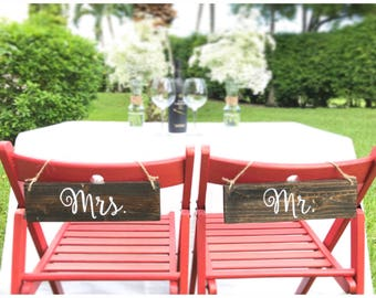mr and mrs chair sign for sweetheart table Rustic Wedding Wooden Photo Prop Signs Bridal Gift Signs Bride Groom Personalized gift for couple
