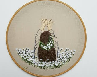 Floral: Pettle Embroidery,embroidery hoop,embroidery art,wall hanging,modern embroidery,contemporary,art,artist,fiber art,gift,flowers,art