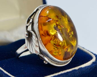 Vintage Sterling SILVER & Huge BALTIC AMBER Art Nouveau Style Statement Ring - Sz S (Us 9.25)