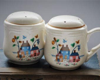 Vintage Salt and Pepper Shakers, with handle-Heartland International #7774