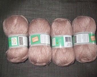 X 3 balls of yarn color pink