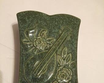 Mandolin planter USA