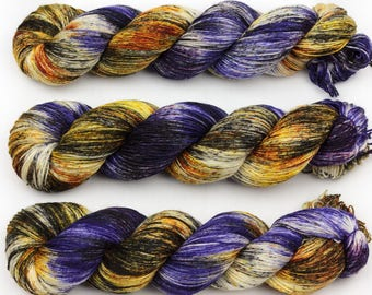 warrior hand dyed yarn sock yarn fingering yarn merino wool speckled yarn 4ply sock purple black gold 100g