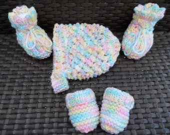 Hand Knitted Hat, Mits & Bootees for Premature Baby - 27 cm round head