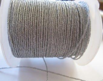 1 meter of nylon 0.8 mm silver lurex thread