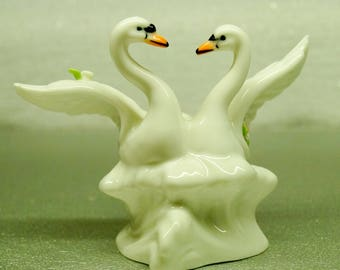 Swans figurines porcelain hand painted white souvenirs birds