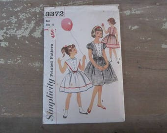 Vintage Simplicity 3372 Printed Sewing Pattern 1960 Child Size 10 Girls Dress Pattern