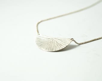 """Necklace """"Leaf"""" lines with 1 segment"""