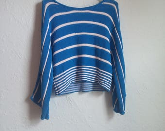 Blue and white striped 1970's knit pullover size small-medium