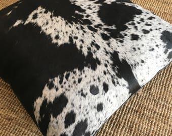 Floor cushion in cow hide
