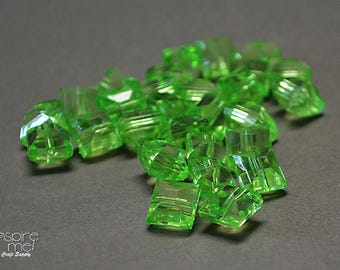 28 pc 10mm Faceted Acrylic Beads, Green Beads, Peridot, August Birthday, DIY Jewelry, DIY Crafts, Loose Beads, Destash