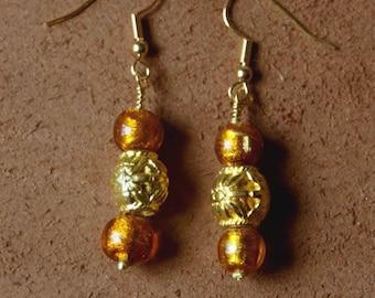 Venezia Earrings: glass bead Murano gold foil and gold metal bead.