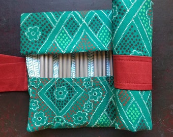 36 Pencil Roll Green and Rust Print, Pencil Roll Case, Pencil Wrap, Pencil Holder, Pen Storage, Colored Pencil Roll Up