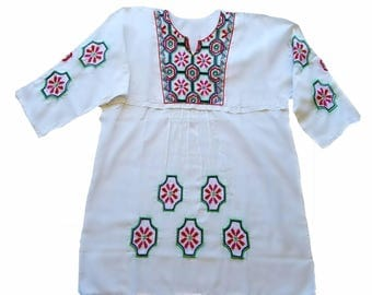 Hand embroidery blouse, Vintage Mexican blouse, blouse embroidery, Mexican tunic, Modern embroidery, White Mexican blouse,Folk flower top,