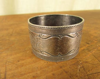 Shabby Edwardian Silver Plate Napkin Ring Bright Cut Floral Decoration with Name Panel
