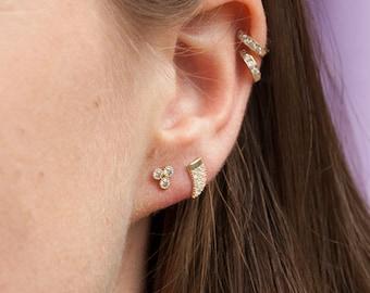 9ct Gold - cz tusk horn stud - gold stud earring - 9ct gold - tiny cz - tiny earring - tiny gold stud - tiny stud - gold earring - I35193