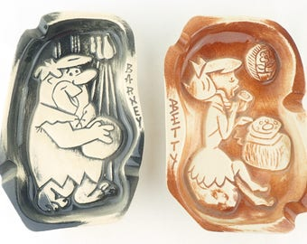 BARNEY and BETTY ASHTRAYS, Flintstones, 1961 cartoon characters, Hanna Barbara 127