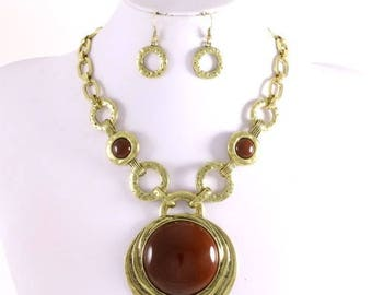 Elegant Bold Brown Necklace Set