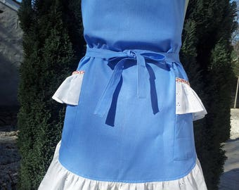 Cherry apron bib 580 shape has rounded azure cotton 2 pockets flounced and lined with bias