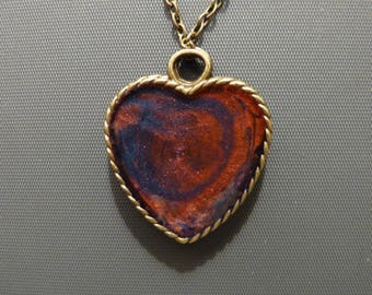 Resin heart pendant necklace