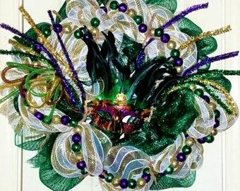 Sale, Mardi Gras door wreath, Mardi Gras door, Mardi Gras door hanger, Mardi Gras decoration, Mardi Gras feather mask, Mardi Gras wreath