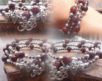 Bracelet triple towers, bulls eye beads